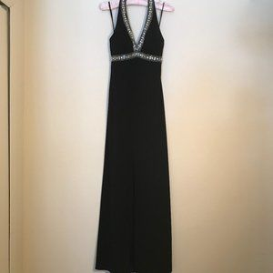 De Laru Halter Style Long Formal Dress